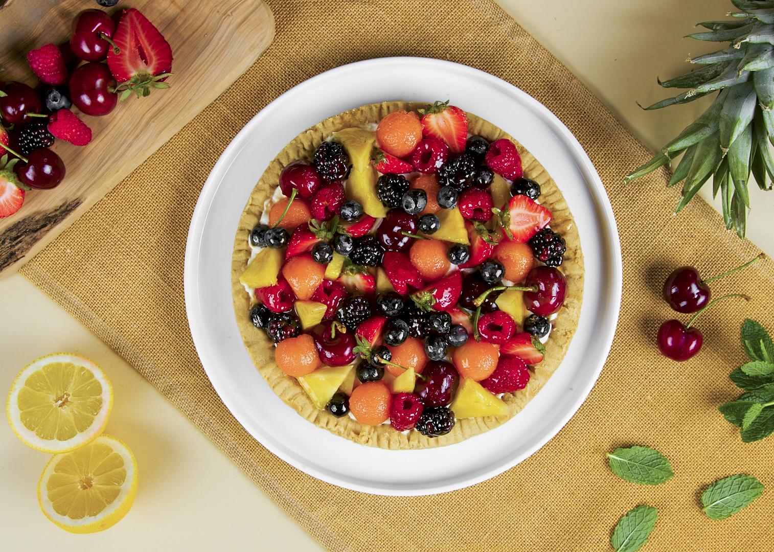 Crostata di frutta con crema allo yogurt